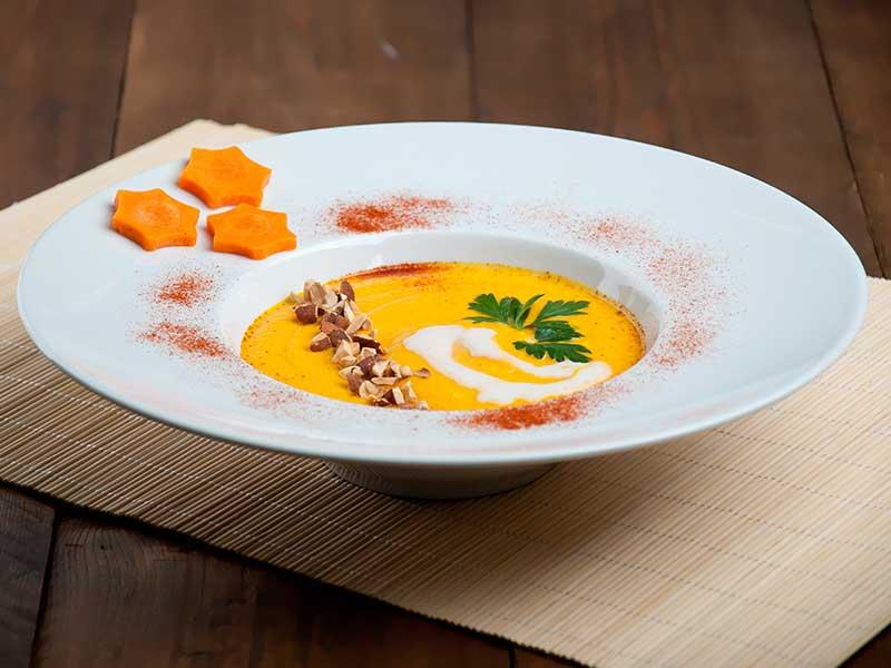 Cremet vegansk gulerodssuppe