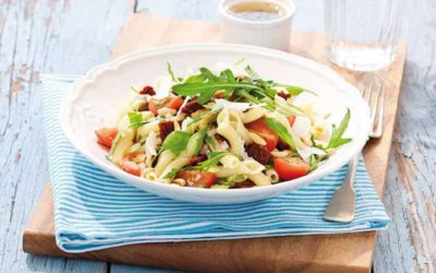 Middelhavs-inspireret pastasalat